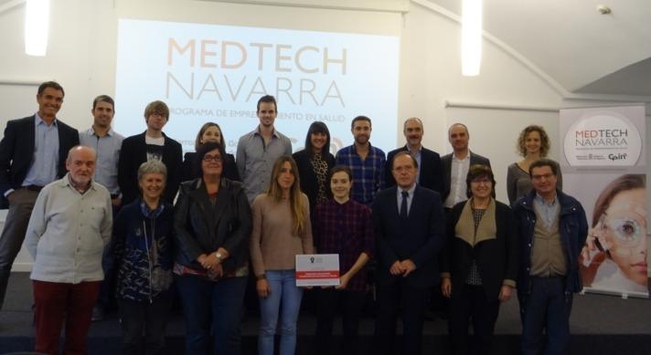 """Foto de familia con los ganadores de la última edición del Concurso """"Tecnologías Aplicadas a la Salud"""" de CEIN."""