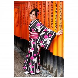 En Fushimi Inari, Japón