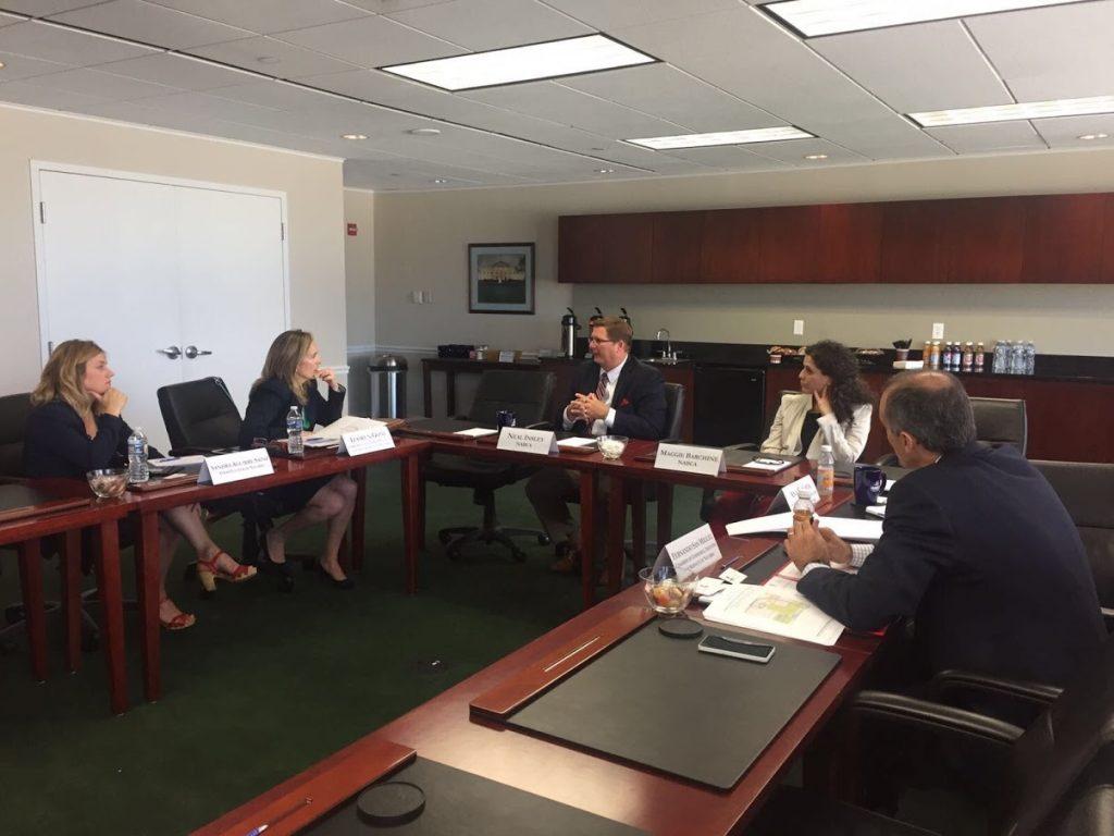 Imagen de uno de los encuentros mantenidos por la delegación de Navarra durante su estancia en los EE.UU.