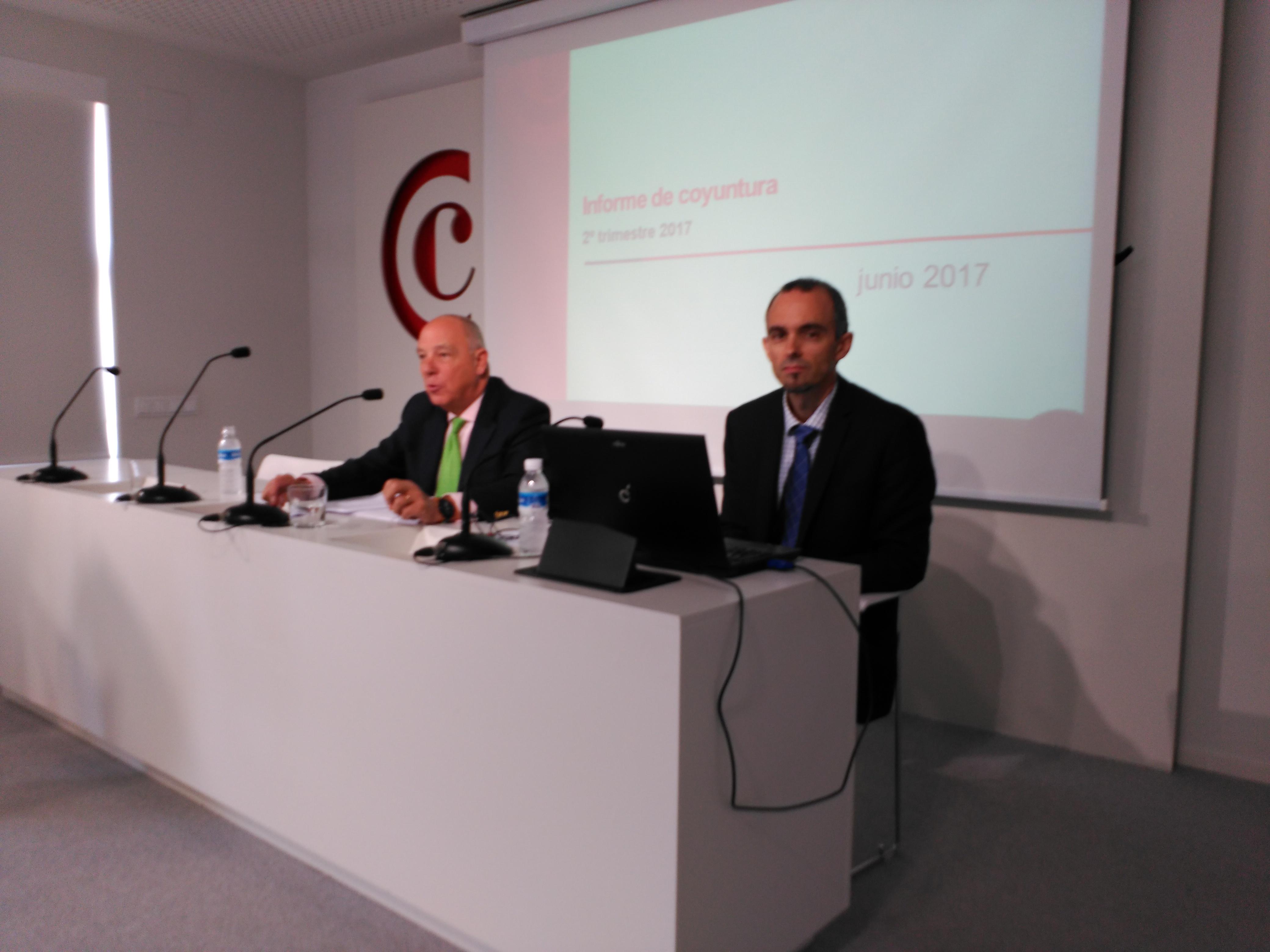 Javier Taberna y Fernando San Miguel, durante una comparecencia en la Cámara Navarra de Comercio e Industria (archivo).
