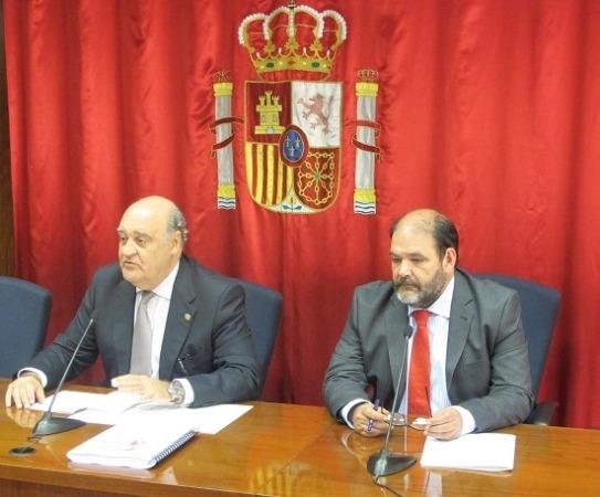 Momento de la presentación de la Memoria del TSJN a cargo de su presidente, Joaquín Galve.