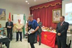 Jesús Orduna, de Napar Bideak, explica las características de los alimentos navarros