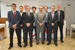 De I a D: Oscar Rived (Larraby); Ramón Gonzalo (UPNA); Miguel Ángel Latasa (CONASA); Javier Fernández (Kunak); Roberto Elizalde (presidente); Iñaki Pinillos (Nasertic); Oscar Quintana (Inycom) y Juan José Garbayo (Oxfera)