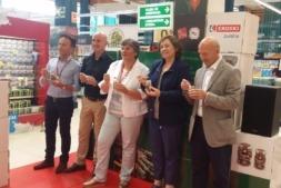 Representantes de Eroski, Pedro Mayo y Ultzama junto a la consejera
