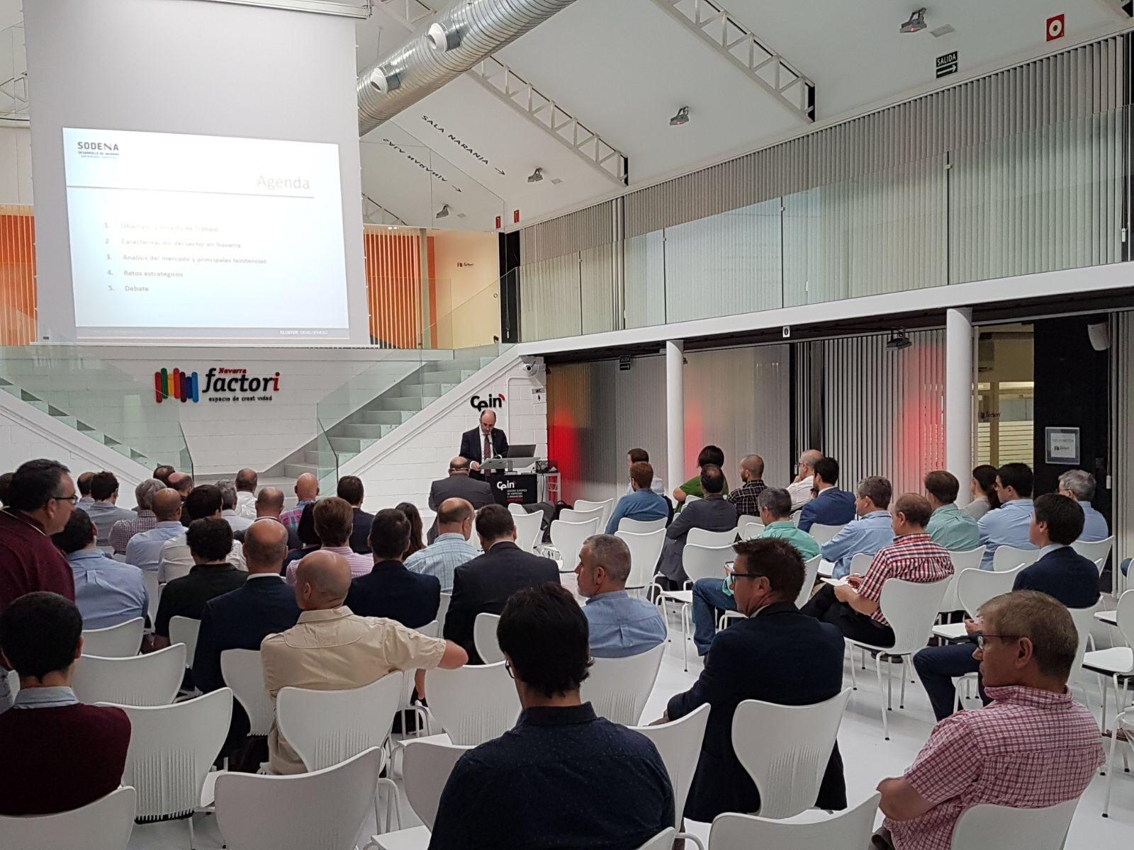 El vicepresidente foral, Manu Ayerdi, en un momento de la presentación de NaVEAC en CEIN.