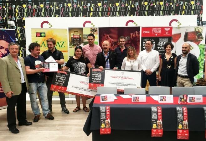 Foto de familia de los ganadores del concurso.