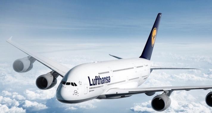 Avión comercial de la compañía Lufhansa, que a partir del 6 de noviembre operará en Pamplona.