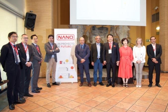 Directivos japoneses y coreanos junto al alcalde de Tudela y a Izaskun Goñi.  Fotografías: Germán Pérez.