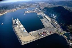 Vista aérea del Puerto de Bilbao y su zona de ampliación.
