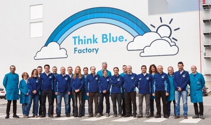 Embajadores del proyecto Think Blue Factory y coordinadores de Medio Ambiente en la planta de VW Navarra.
