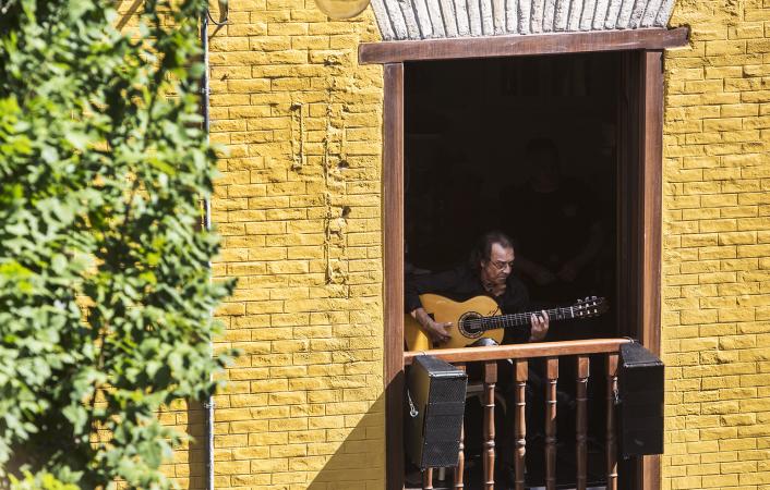 Imagen de la pasada edición del 'Flamenco en los Balcones'. (Foto Javier Fergo).