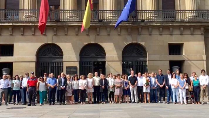 Parlamento_MinutoSilencio_AtentadoBarcelona