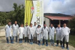 Visita de los miembros de la Comisión de Desarrollo Rural a Lacturale.