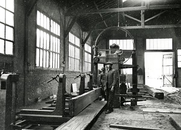 Aserradero en 1918 (FOTO: ARNAU IZARD I LLONCH).