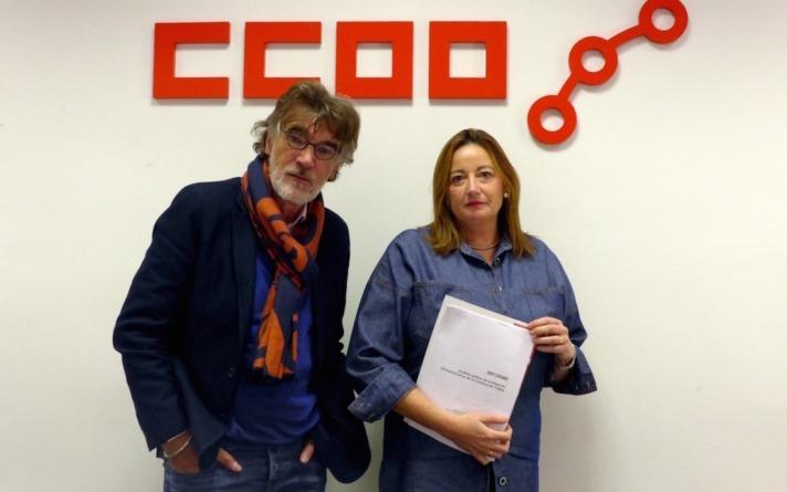 Chechu Rodríguez, secretario general de CCOO de Navarra, y Elena Arbiol, responsable del sindicato  en la zona Ribera.