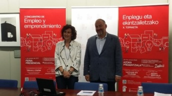 Cristina Bayona y Juan Gallego en la presentación del acto