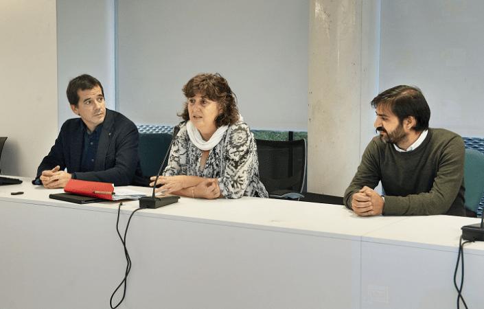 De I a D: Mikel Irujo, Eva García y Esteban Pérez, mesa de presidencia de la jornada sobre Economía Circular celebrada en Pamplona.
