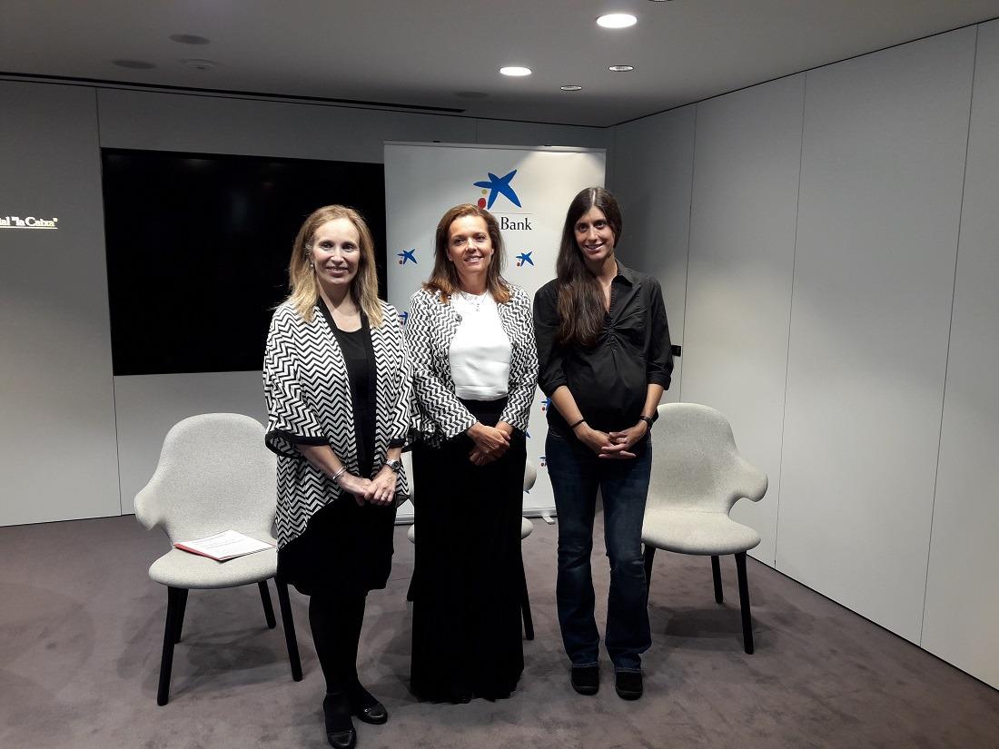 Izaskun Goñi, Ana Díez Fontana y Ana Monreal en la presentación del Premio Emprendedor XXI