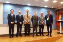 Foto de familia de los organizadores y promotores del seminario 'Liderazgo, Deporte y Empresa'