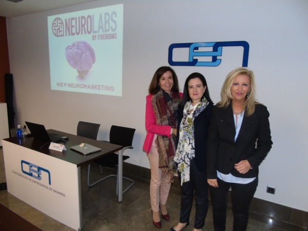 De Izquierda a Derecha: Ana Lamas (Neurolabs) junto a las responsables de AMEDNA Cristina Sotro y Ana Labiano.