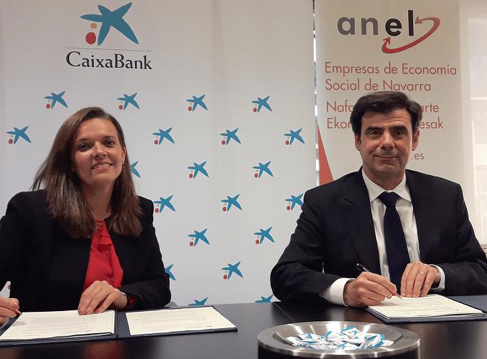 Ana Díez Fontana, directora territorial de Caixabank en Navarra e Ignacio Ugalde, presidente de ANEL.