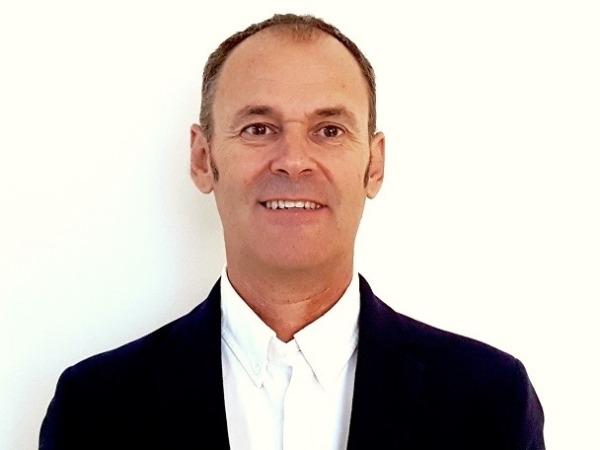 Gonzalo Artes ha ocupado puestos de dirección técnica y de gerencia en organizaciones y explotaciones diversas.
