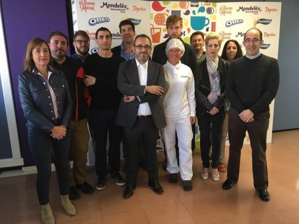 Foto de familia de los participantes en la Jornada sobre Ecodiseño celebrada en Mondelez International de Viana.