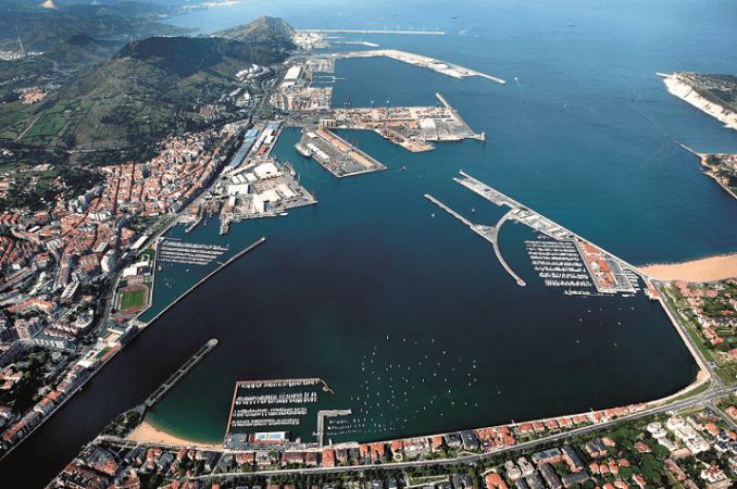 Vista aérea del Puerto de Bilbao.