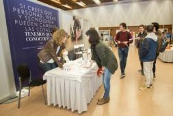 Encuentro de Empleo, organizado por la Fundación Universidad-Sociedad para poner en contacto a estudiantes y titulados con posibles empleadores.