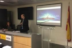 """Representantes de ZABALA durante la presentación de su aplicación web en """"Desafío Aporta 2017"""" de Red.ES."""