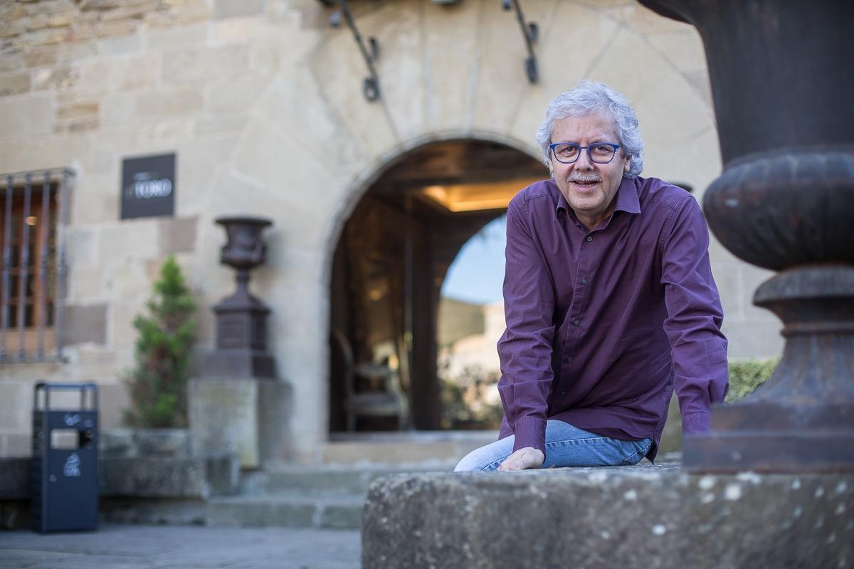 Xavier Gabriel, propietario de La Bruixa d'Or, fotografiado en el Hotel El Toro. (FOTOS: Víctor Rodrigo)