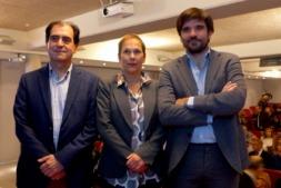 De I a D: Abel Casado, gerende de EDER; Uxue barcos, presidenta del Gobierno de Navarra y; Eneko Larrarte, alcalde de Tudela.