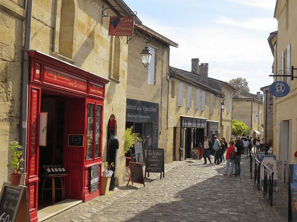 Calle-de-Saint-Emilion