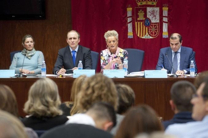 De I a D: Carmen Arnedo, David Delgado, Mª Luisa Segoviano y Carlos González