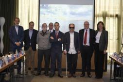 Foto de familia de los organizaciones, colaboradores y ponentes de Desayunos ResponsableS (FOTOS: Oskar González).