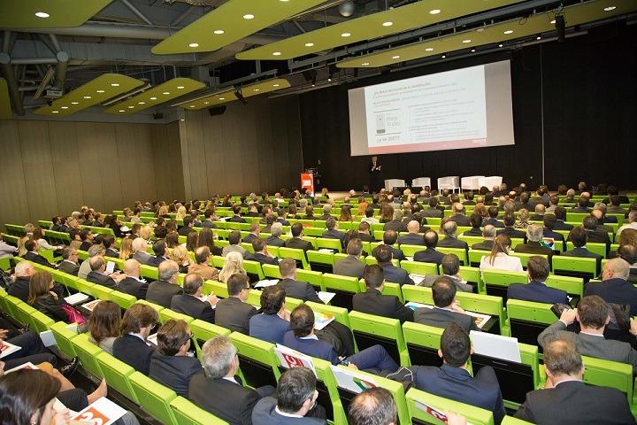 Vista panorámica de los participantes en el último encuentro de EROSKI.