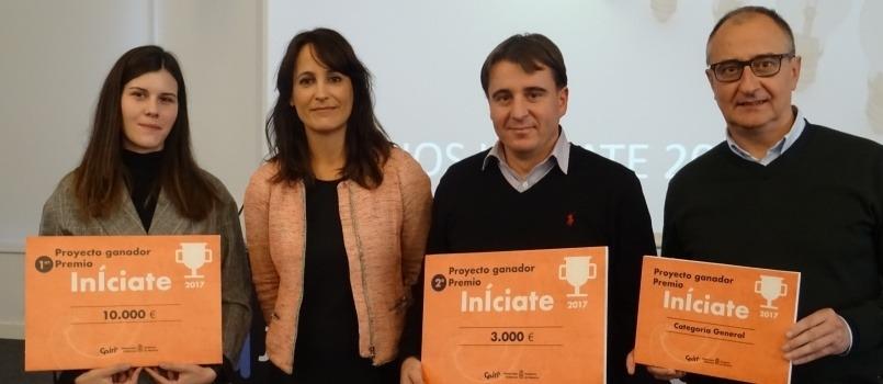 Imagen de los ganadores de la edición 2017 de los premios InÍciate.