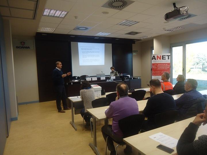 Un total de 29 empresas del transporte por carretera y logística de Navarra participaron en esta acción formativa de ANET.
