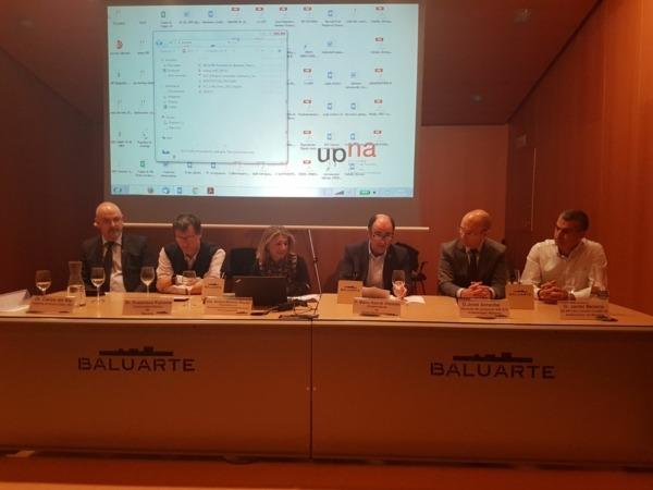 De I a D. Carlos del Río (ISC); Francisco Falcone (Unav); Ainhoa Remírez (Ingenieros Telecomunicación); Manu Ayerdi José Arreche (VW) y; Javier Belarra (ACAN).