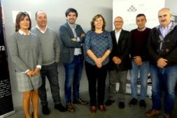 La consejera Elizalde, con autoridades y miembros del Consejo de Administración de  la CAT. (FOTO: Germán Pérez).