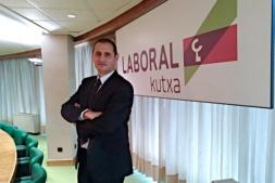 Javier Cortajarena, director territorial de Laboral Kutxa en Navarra.