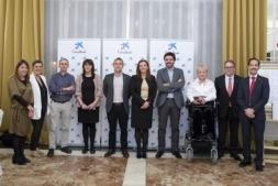 El vicepresidente Laparra y Ana Díez Fontana, delegada territorial de Caixabnak en la Comunidad foral (en el centro de la imagen) presidieron el balance de la Obra Social 'la Caixa' en Navarra.