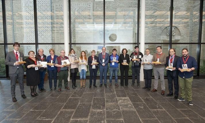 Foto de familia de los galardonados con los primeros 'Premios al Trabajo Autónomo' de Navarra.