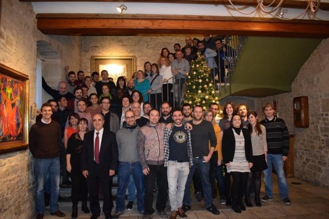 Imagen de los empleados de Tesicnor encabezados por su director general, Santiago Pangua, en la primera fila, segundo por la izquierda.