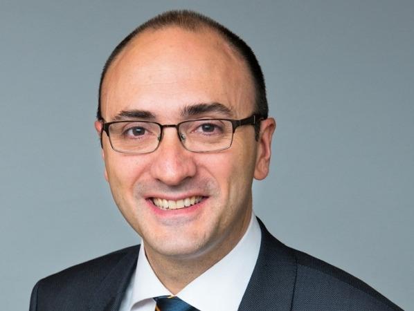 Javier García, nuevo director general de UNE.