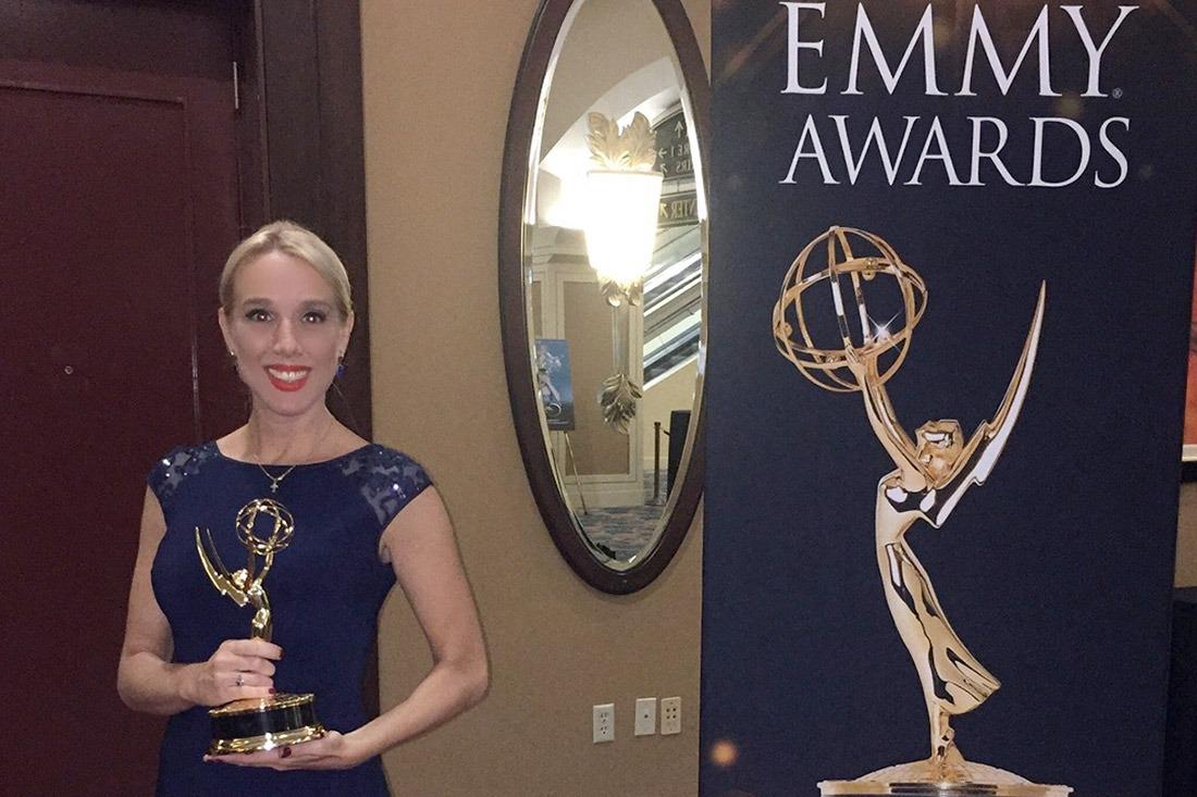 Adriana Navarro, tras la gala en el que se le otorgó el Emmy latino.