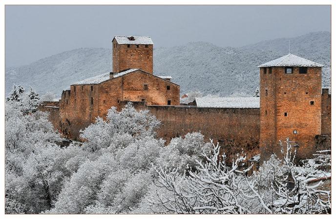 ainsa-castillo-nevado-pueblos bonitos