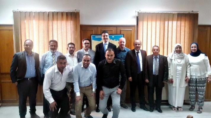 Las personas que participaron en El Cairo en la reunión de lanzamiento del proyecto.