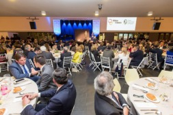 Vista panorámica de los participantes en la IV Gala Benéfica Niños contra el Cáncer (FOTOS: Víctor Rodrígo).