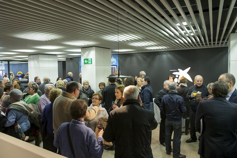 El estreno de la nueva oficina Store de Caixabank en Tafalla incluyó un acto abierto al público.